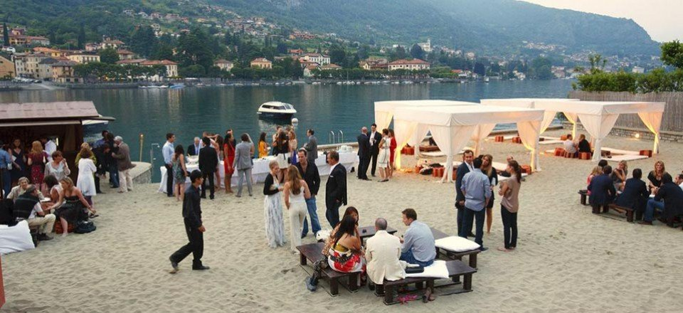A beach wedding on Lake Como: why not?