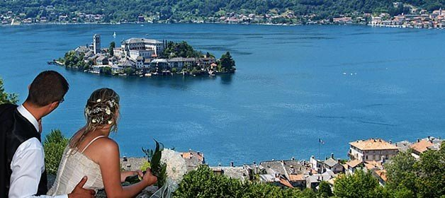 Intimate and Romantic main keywords for a wedding on Lake Orta
