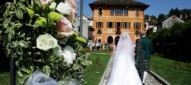 Outdoor Civil Ceremony at Villa Bossi – lake Orta