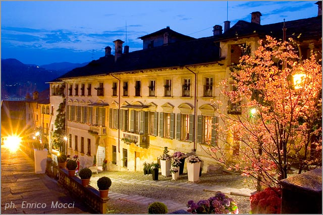 weddings at Palazzo Penotti Ubertini in Orta