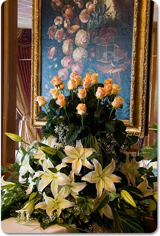 Casablanca Lilium flower arrangement by La Piccola Selva lake Orta
