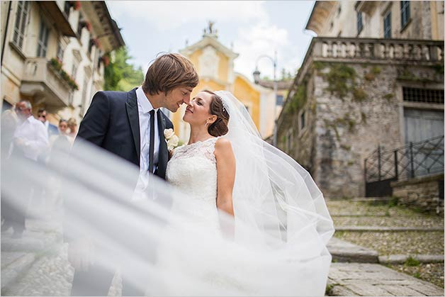 Catholic wedding ceremony on Lake Orta: Assunta church in Orta