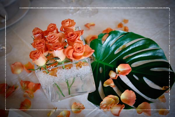 floating-orange-roses-centerpiece