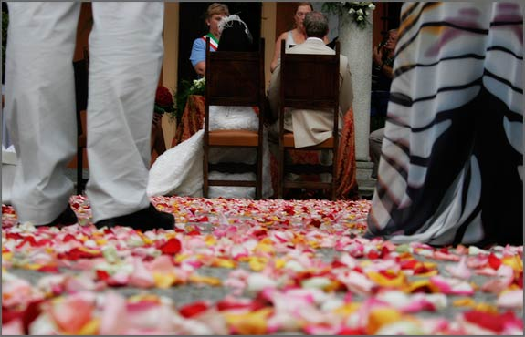 Rose-Petals-aisle-runner