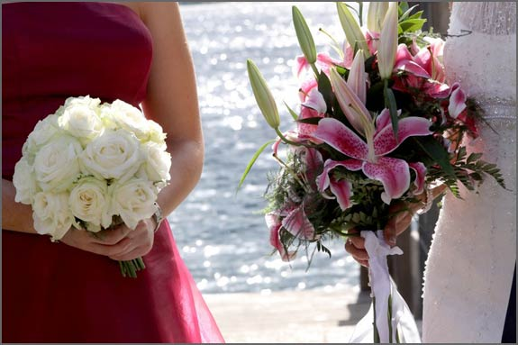 lilies wedding bouquet. stargazer-lily-ridal-ouquet