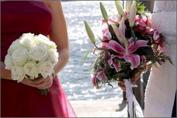 stargazer-lily-bridal-bouquet