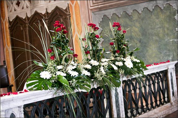 Church-floral-decorations-Italy