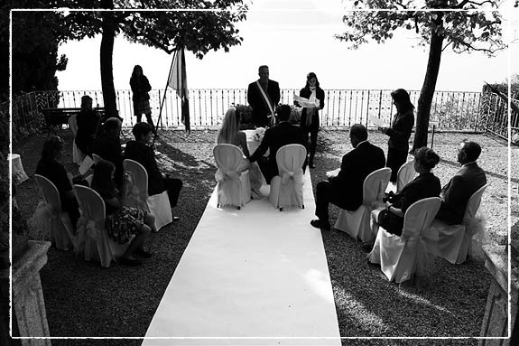 wedding-in-villa-with-lake-view-terrace