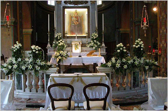 church-floral-decoration-Italy