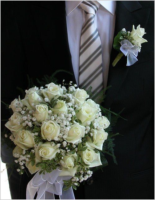 white-roses-bouquet-and-bottonhole