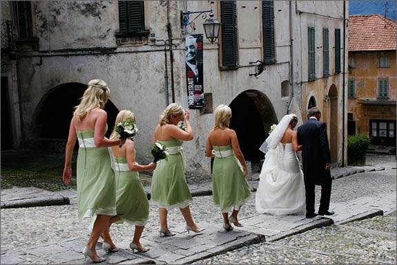 italian-green-dressed-bridesmaids