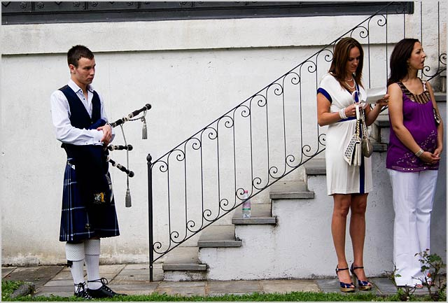 bagpipes-wedding-lake-Orta-Italy