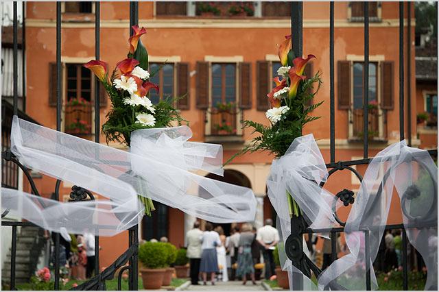 gates-floral-arrangement-Villa-Bossi-Orta