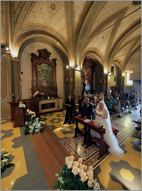 flower-arrangements-sacro-monte-church-Orta