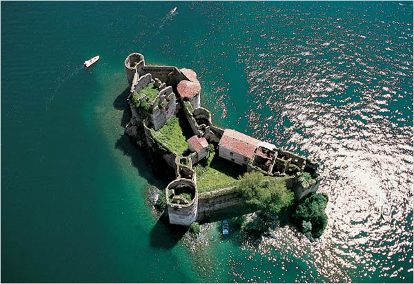 wedding-in-Cannero-Castles-lake-Maggiore