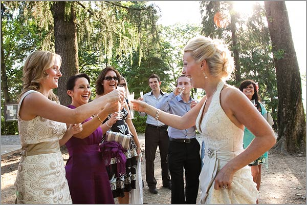 Prosecco-toast-wedding-in-Italy