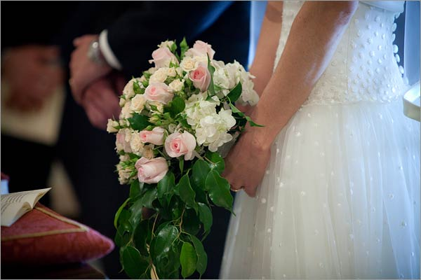 hydrangeas-and-roses-bridal-bouquet