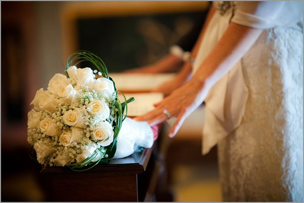 ivory-and-gold-bridal-bouquet