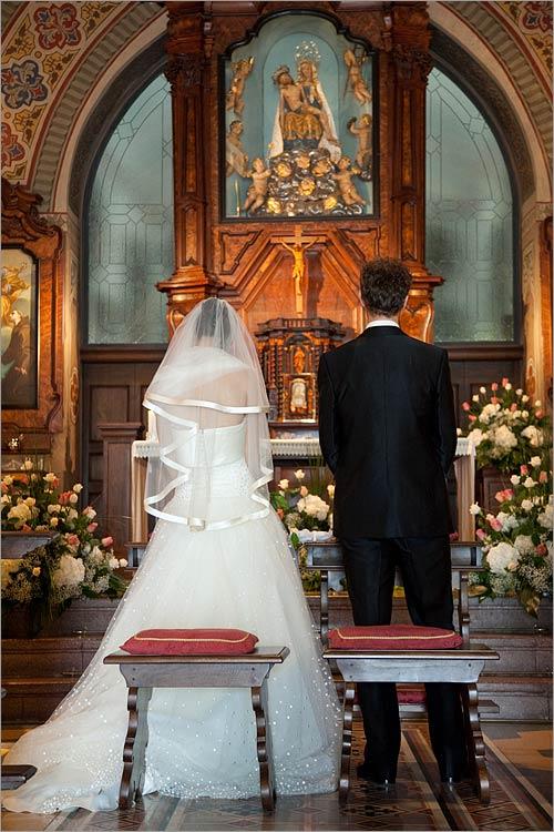 religious-ceremony-Sacro-Monte-Orta-church