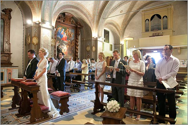 religious-ceremony-Sacro-Monte-Orta-church