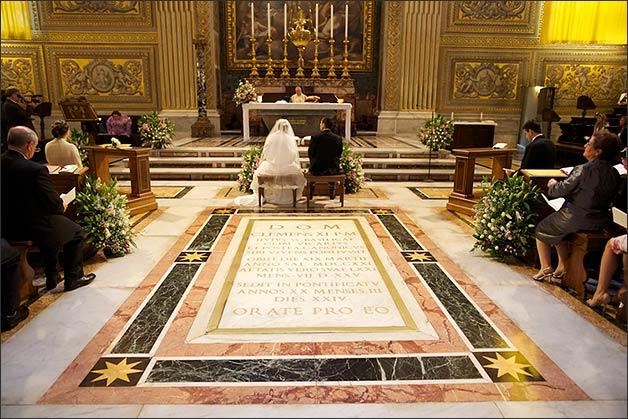 catholic-wedding-ceremony-saint-peter-basilica-Rome