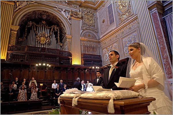 wedding-ceremony-to-Saint-Peter's-basilica-in-Roma