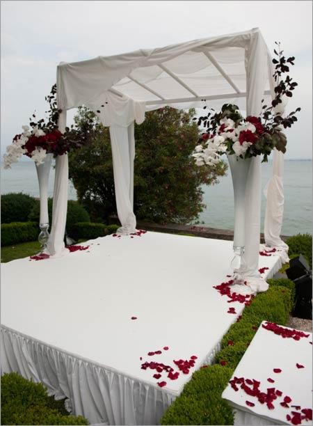 white-huppah-wedding-on-lake-Garda