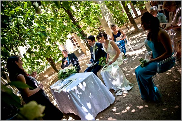 civil-wedding-ceremony-in-Lemon-Garden-Torri-del-Benaco