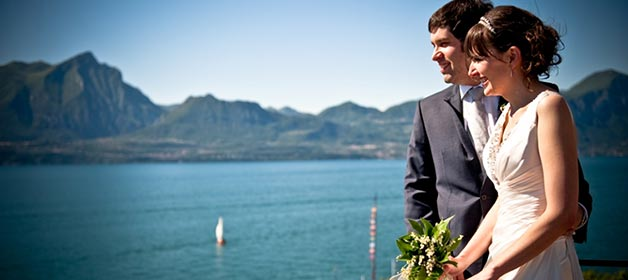 Intimate wedding on lake Garda