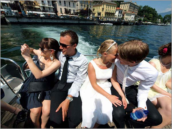 wedding-boat-trip-in-Tremezzo-lake-Como