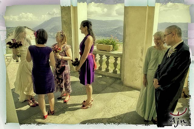 intimate-wedding-ceremony-on-lake-Orta-Italy
