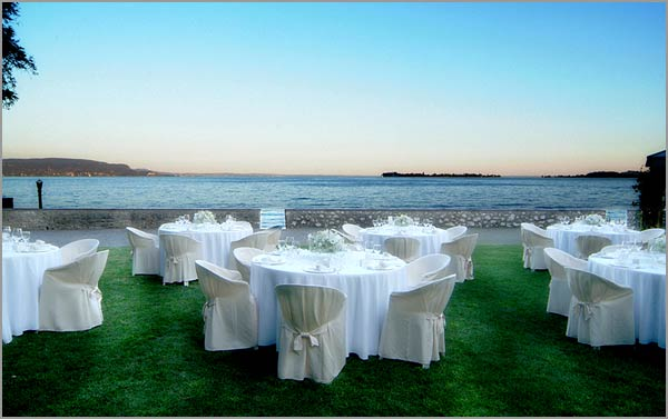 outdoorweddingreceptioninVillaFiordalisolakeGarda