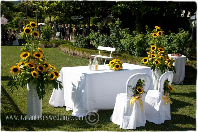 Country Themed Wedding Decorations Sunflowers