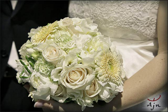 gardenia-bridal-bouquet-Lake-Como
