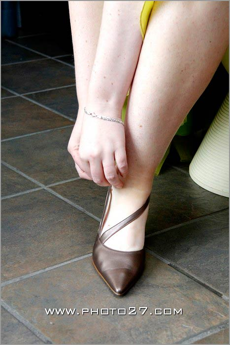 italian-bronze-bridal-shoes