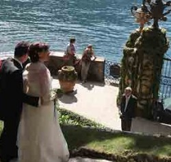 A wedding at Como lake and Villa del Balbianello: does a couple really need more than this?