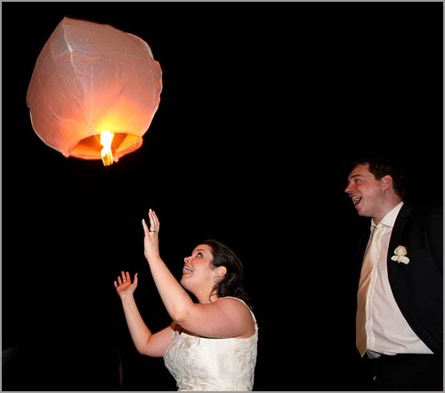 wedding-flying-lanterns-Lake-Orta-Italy