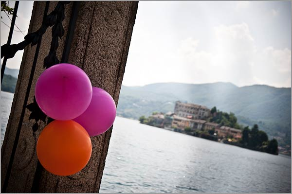 balloons-themed-wedding-Lake-Orta-Italy
