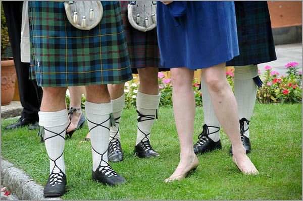 Groom-and-groomsmen-kilt-Italy