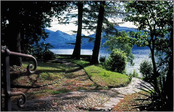 open air wedding venue on lake Maggiore