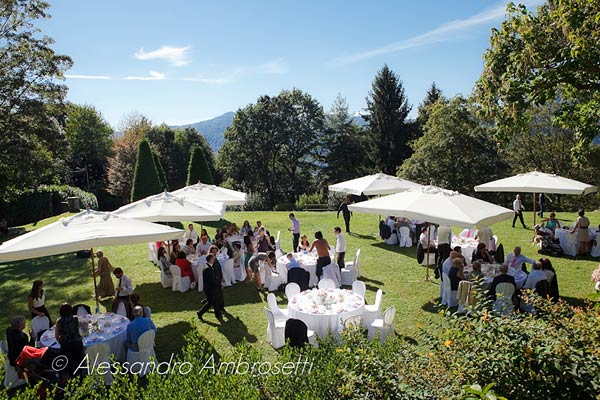 outdoor wedding reception Villa-Pestalozza-Miasino