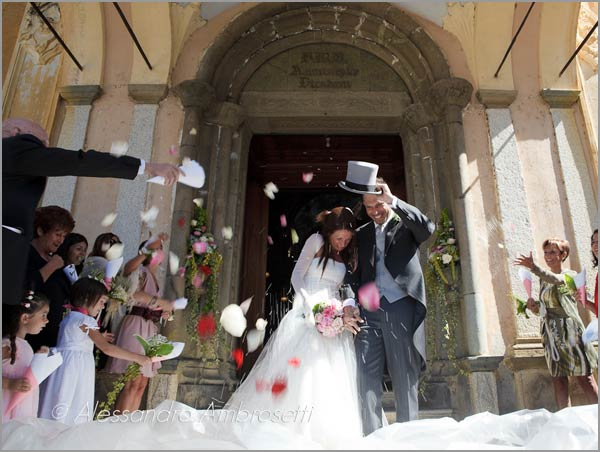 wedding-to-Santa-Maria-Assunta-church-Orta