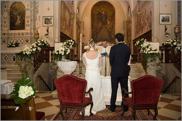 wedding ceremony to church of Madonna in Borbiago