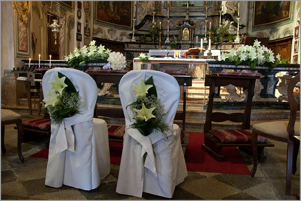 wedding flower arrangements Madonna-del-Sasso church
