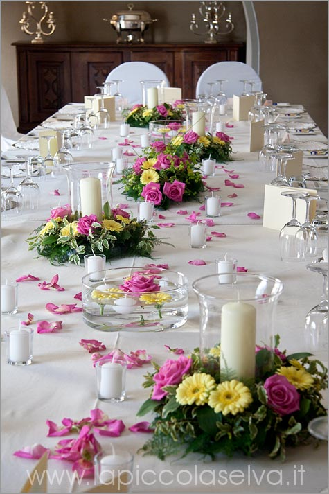 royal-table-flower-arrangement-Hotel-San-Rocco-lake-Orta