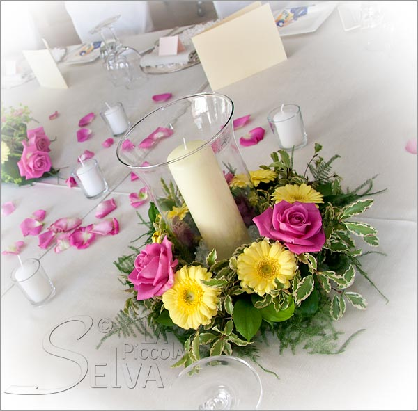 table-arrangements-with-candles-and-flowers