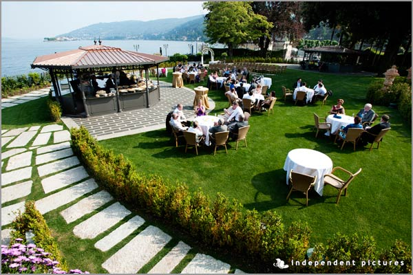 outdoor wedding aperitif in Hotel Dino gardens