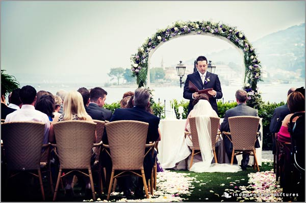 outdoor wedding ceremony Hotel Dino Lake Maggiore