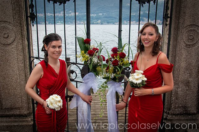 Red bridesmaids dresses in Italy