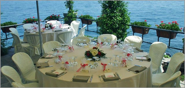 lake shores wedding reception in Italy